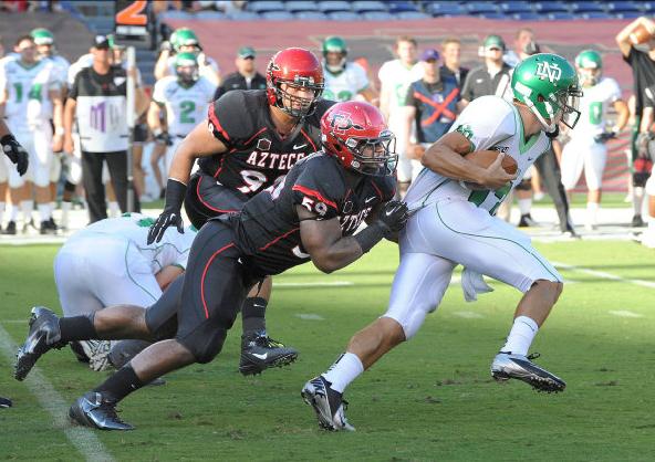 Jordan Thomas tackle